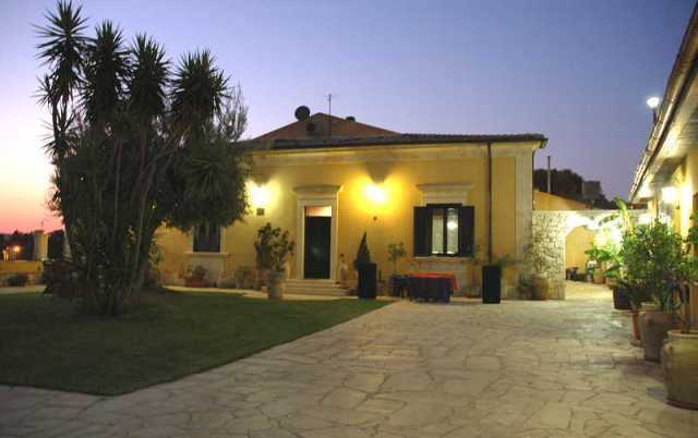 villa for sale noto sicily